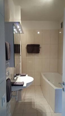 3 Zimmer Ferienwohnung mit Pool und Sauna in Brissago Tessin