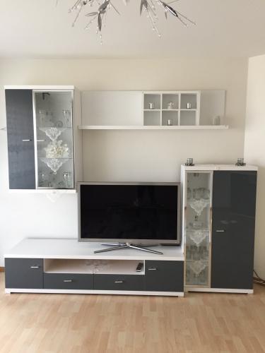 Wohnwand + Sideboard