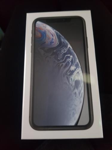 Iphone XR 128 GB in schwarz .2 jahre garantie ab heute 20.05.2019