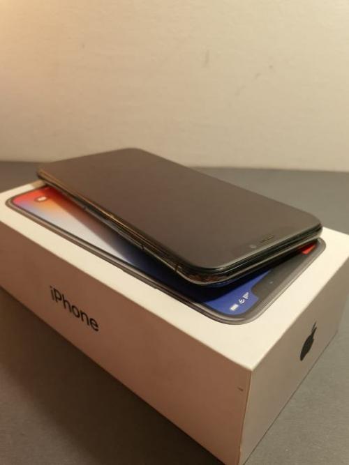 iPhone X 64 GB so gut wie neu (Preis verhandelbar)