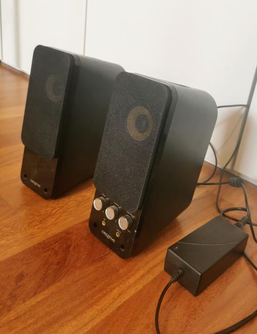 Zwei Lautsprecher für PC